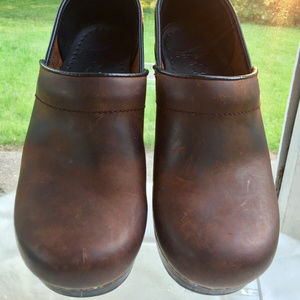 Dansko Womens Professional Oiled Leather Clogs